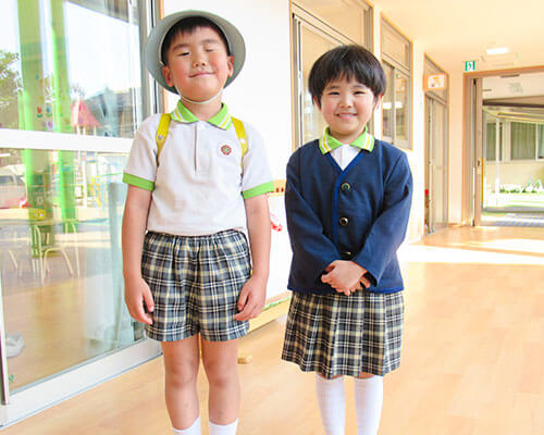 大阪府大東市の幼稚園保育園こども園の制服